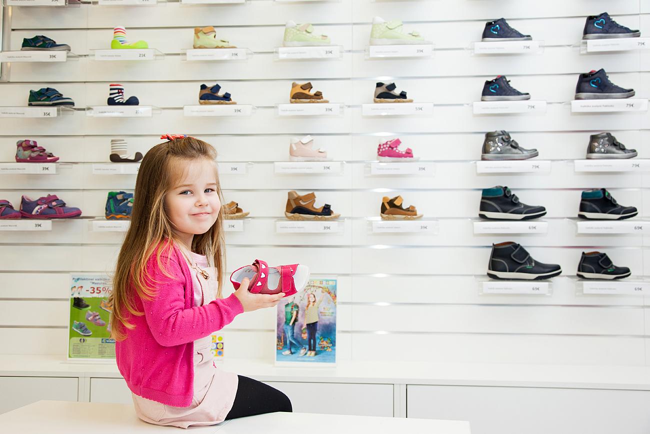 Kaip išrinkti vaikui batus į darželį?